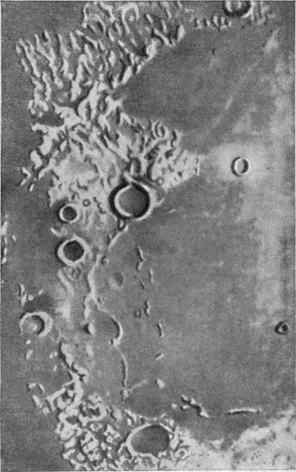 Участок лунной поверхности в